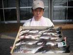 4月2日 ダゴチン釣りで福本さん チヌ42㎝を頭に11匹