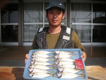 6月2日 ボート釣りで早川さん アジ24㎝を頭に14匹