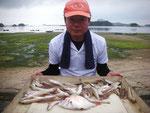 7月1日 ボート釣りで野田さん 小鯛21㎝ キス20㎝を頭に42匹
