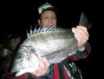 2月22日 磯釣りで原山さん 49.6㎝を頭に3匹