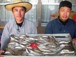 7月17日 ボート釣りで蓑田さん達(4人) キス26㎝を頭に175匹