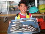 7月29日 ボート釣りで大坪さん キス23㎝を頭に17匹 トラギス6匹 ヨドゴチ3匹