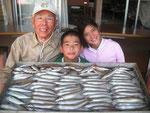 8月11日 レンタルボートで後藤家族 キス26㎝を頭に82匹 (内海都くんは一人で40匹)