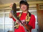 8月29日 ボート釣りで岩本さん マゴチ48.5㎝・720g
