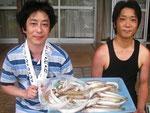 7月3日 ボート釣りで森山さんと村上さん キス25㎝を頭に55匹