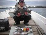 2月28日 磯釣りで古庄さん ガバチヌ52㎝・51㎝・48㎝