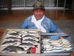 6月6日 ダゴチン釣りで下村さん チヌ41㎝を頭に7匹 アジ24㎝を頭に26匹