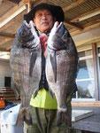4月6日 ボートから片岡さん 良型チヌ47㎝を頭に9匹