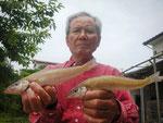 6月4日 ボート釣りで上田さん キス25㎝を頭に10匹以上