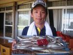 7月10日 ボート釣りで松村さん キス25㎝を頭に59匹