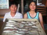8月4日 ボート釣りで蓑田兄弟 キス22㎝を頭に37匹 グチ24㎝を頭に5匹