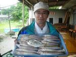 6月18日 ボート釣りで木村さん キス25.5㎝を頭に21匹