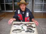 5月20日 ダゴチン釣りで杉谷さん チヌ40㎝ クロ31㎝を頭に4匹