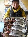 2月16日 ボートからのウキ釣りで片岡さん チヌ40㎝を頭に4匹・ガラカブ20㎝~15㎝を22匹