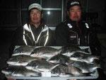 3月18日 磯から内田さんと川副さん チヌj43.5㎝~41.5㎝を10匹