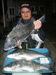 2月6 磯釣りで一村さん ガバチヌ53.5㎝・50㎝・49㎝