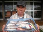 6月13日 ボート釣りで坂本さん キス25㎝を頭に16匹