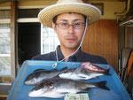 8月27日 ダゴチン釣り山田さん チヌ35㎝・27.5㎝ クロ23.5㎝ ガラカブ1匹