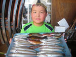 8月3日 ボート釣りで疋田さん キス24㎝を頭に22匹 ベラ20㎝を頭に6匹