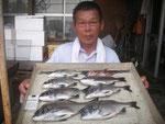 7月23日 ダゴチン釣りで宮村さん チヌ35㎝を頭に7匹 ガラカブ2匹