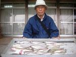 6月1日 ボート釣りで池田さん キス26㎝~15㎝を18匹