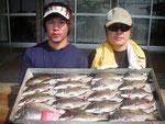 6月2日 ダゴチン釣りで伊東さん米村さん チヌ35㎝~28㎝を18匹 クロ25㎝