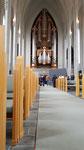 passenderweise spiele jemand auf der imposanten Orgel