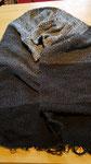 Schal aus Merino mit Boucléwolle als Kette handgesponnen und verwebt