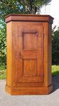 ca. 300 Jahre alte Türe in einen neuen stylgerechten Schrank eingebaut