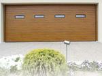 portone linear simil legno con oblo'