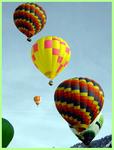 Plusieurs ballons au décollage