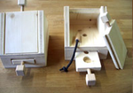 Holzspiel Hundehütte