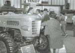 DLG Ausstellung 1964 - Vorstellung des Favorit 4 Prototyp 80PS, einteilige Motorhaube (Form1)