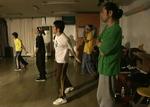 同じく2007年平井ダンススタジオ『FREE』にて。B-BOYチーム「NAT」のみんなと。