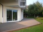 Terrasse bois composite, en cours de pose