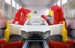 La cobertura de la cadena de montaje del robot para la pintura