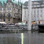 Rathaus und Alster