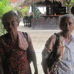 zwei alte Bettlerinnen