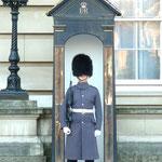 Bobby beim Buckingham Palace