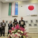 「House of photography」という会場でのオープニング。ここではJCIIの収蔵作品と、写真甲子園などで有名な北海道ひがしかわ町の収蔵作品が数か国の作家達の作品と共に展示されました。ウズベキスタンと日本の国旗が並べられている演出に感動。