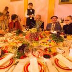 お次はウズベキスタン市役所(市役所!? にてオープニングパーティー。山盛りになったパクチーを睨みつつもその豪華さに感激。そして調子に乗ってワインを飲み過ぎる。