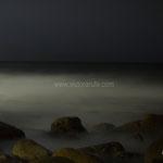 Silencio del mar. Fotografía nocturna de larga exposición.  PVP. 40 €