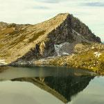 Lago Covadonga. Distinguida con 1 premio  en Concursos Fotográficos del Grupo Aficionados a la Fotografía en Flickr con más de 4000 miembros.  PVP. 40 €