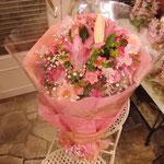 かすみ草入りピンク系花束