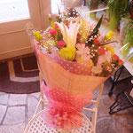 ユリ入りピンク系花束