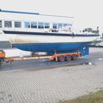 Nun kann die kurze Reise zur Bootshalle losgehen