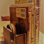 年明けに神奈川図書館で行う予定の「大人向けおはなし会」のテーマが決まり,紹介する本を絞り込んでいるところです。本の絞り込みのため,黒澤明の作品をDVDで初鑑賞しました。さて,いったいテーマは何でしょうか。答えが気になる方は,ぜひおはなし会にお越しくださいね。(詳しいことが決まりましたら「お知らせ」します。)2016年12月11日