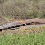 Neue Grabungsstelle mit Pumpe
