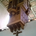 Die Rückseite der Orgel mit der Erweiterung von 1963.