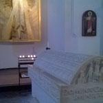 Das Grab der Kaiserin Theophanu, die im Jahr 991 hier ihre letzte Ruhestätte fand.